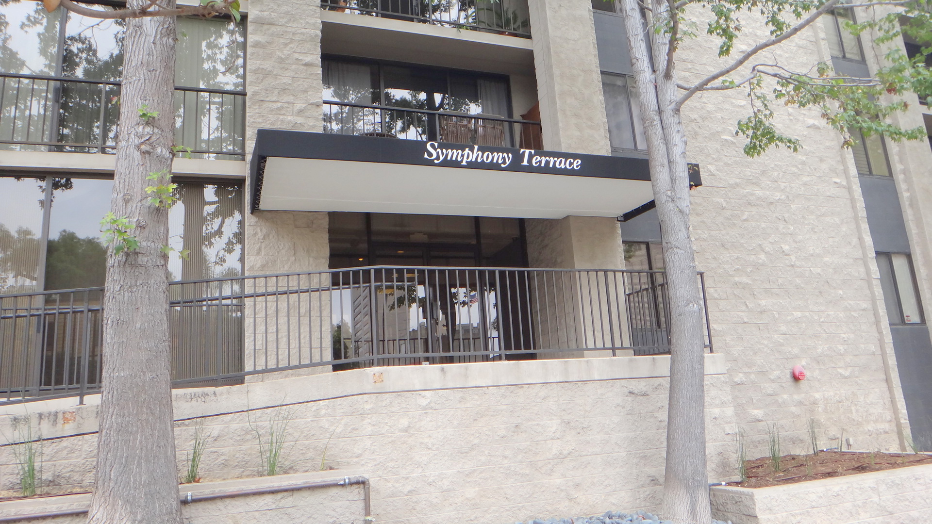 Symphony terrace located in downtown san diego s cortez hill for 8th avenue terrace